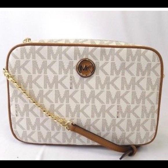 5eeaa8289c65 Michael Kors Bags | Fulton Crossbody Bag | Poshmark